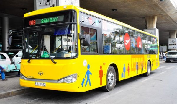 How to catch a bus at SGN airport to HCMC downtown?