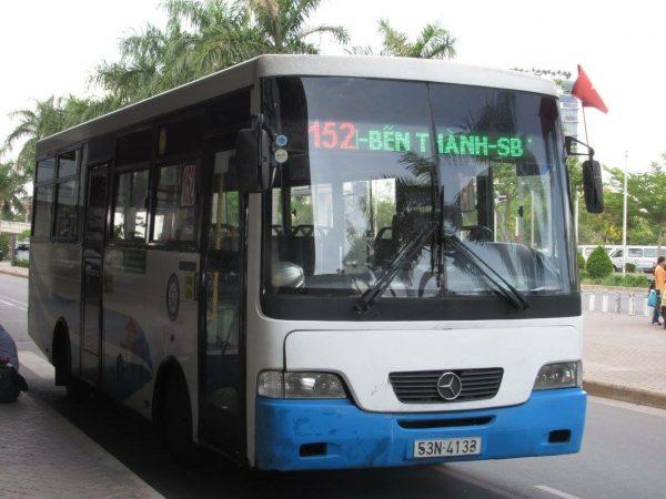 Bus am Flughafen SGN