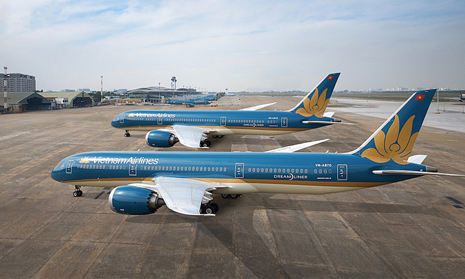 Vietnam considers resuming international flights with limited frequency