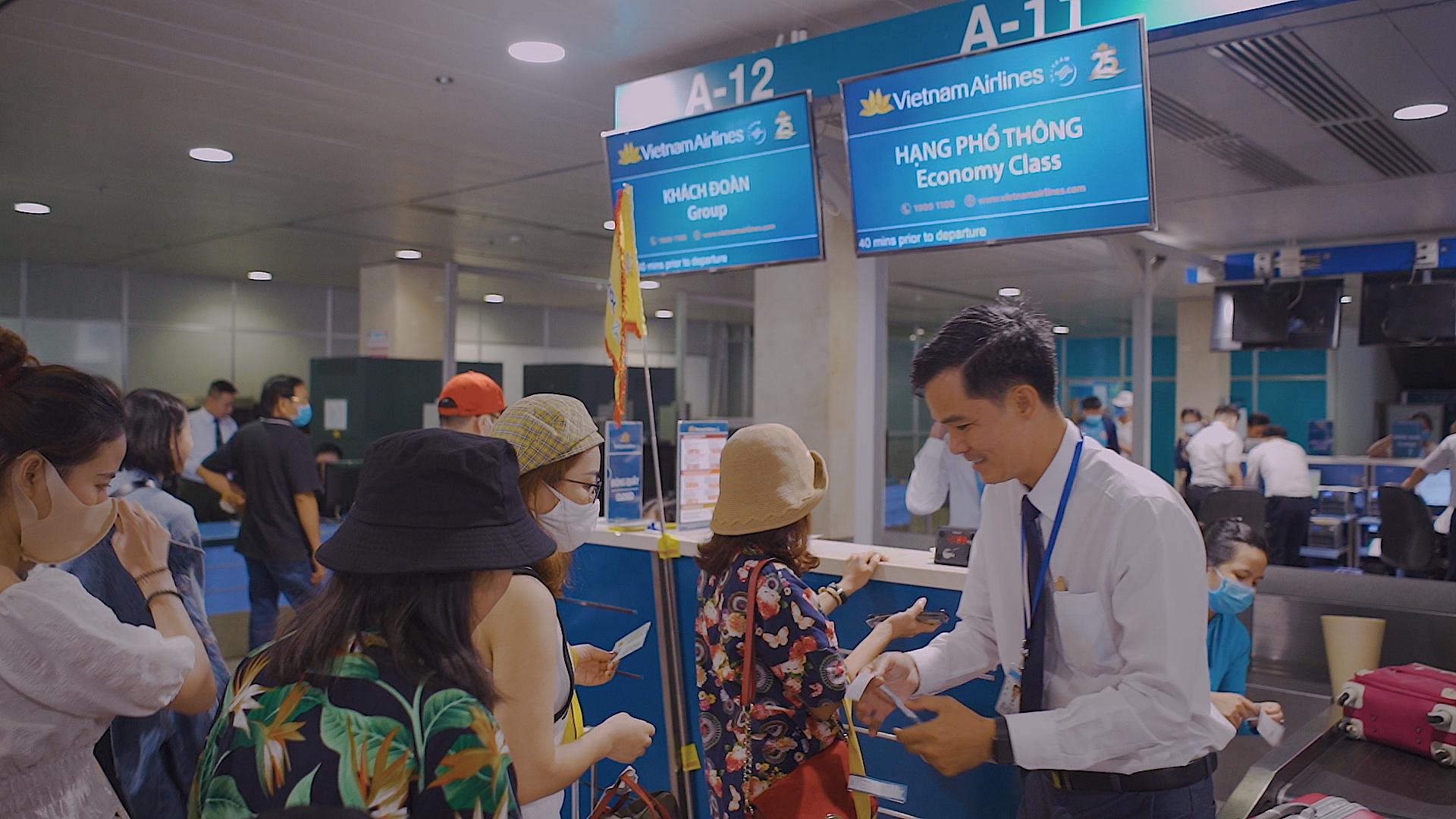 Các hãng hàng không xem xét mở lại đường bay thương mại