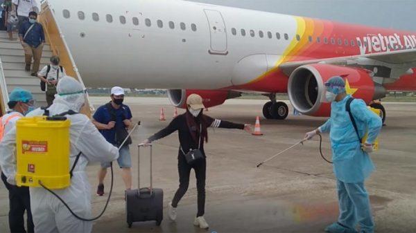 Hướng dẫn y tế cho hành khách nhập cảnh Việt Nam đường hàng không