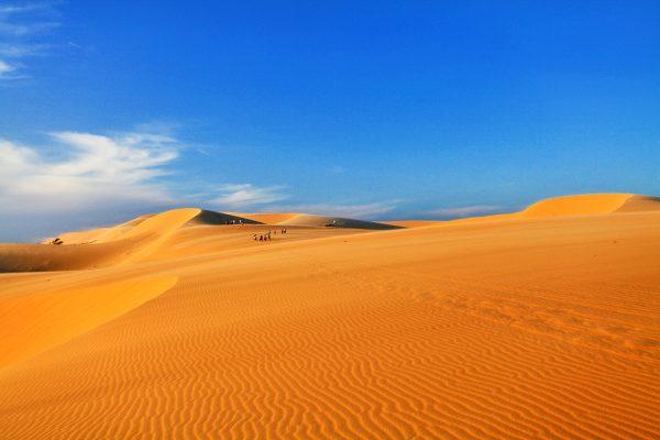Đồi cát trải dài tại Mũi Né